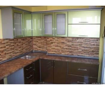Коричнево зеленая кухня МДФ краска