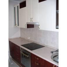 Кухня белый верх коричневый низ