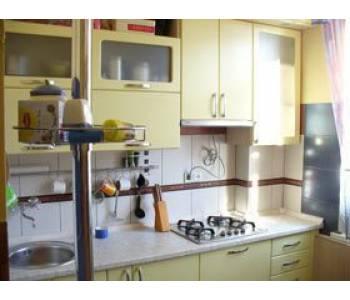 Корпусная мебель в маленькие кухни