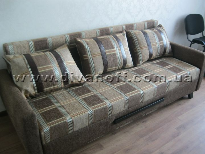 недорогой диван