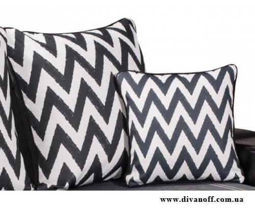 диван с большими подушками