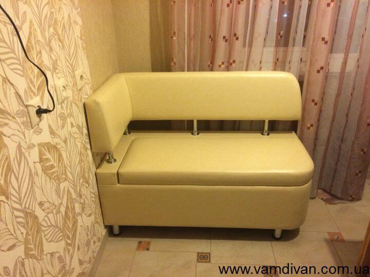 Угловой диван на балкон маленький
