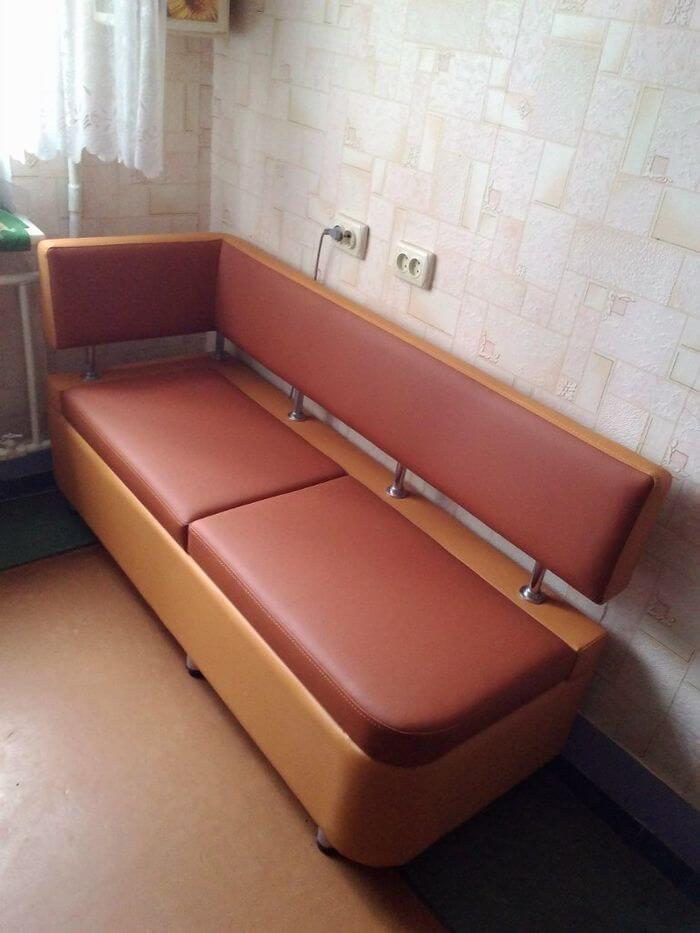 Кухонный диван для маленькой кухни с ящиком